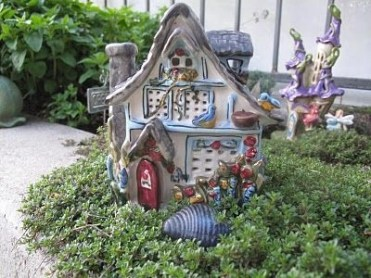 Creative diy fairy garden ideas to try 32