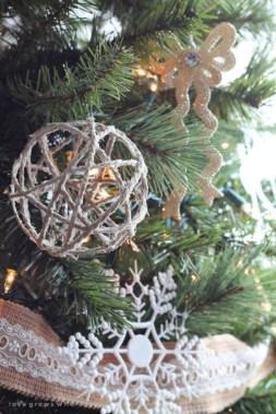 Creative diy farmhouse ornaments for christmas 35