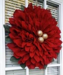 Diy christmas wreath ideas to decorate your holiday season 07