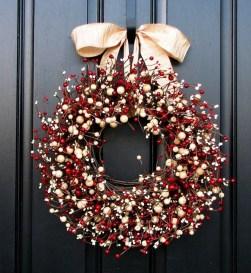 Diy christmas wreath ideas to decorate your holiday season 14