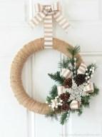 Diy christmas wreath ideas to decorate your holiday season 23