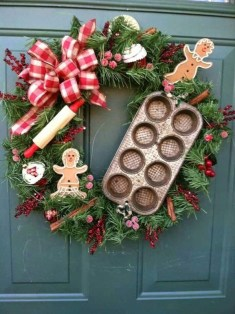 Diy christmas wreath ideas to decorate your holiday season 24