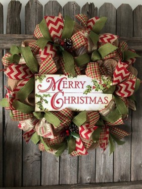 Diy christmas wreath ideas to decorate your holiday season 29