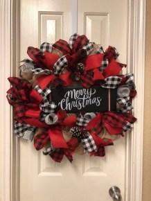 Diy christmas wreath ideas to decorate your holiday season 35