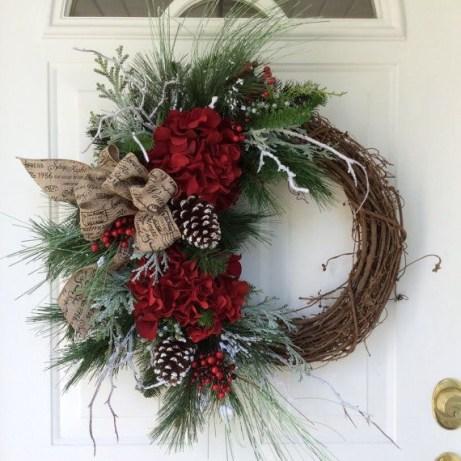 Diy christmas wreath ideas to decorate your holiday season 37