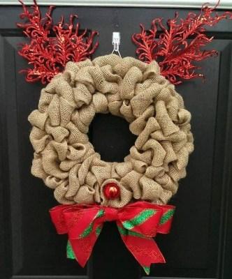 Diy christmas wreath ideas to decorate your holiday season 38