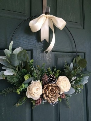 Diy christmas wreath ideas to decorate your holiday season 39