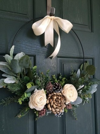 Diy christmas wreath ideas to decorate your holiday season 39