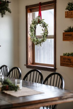 Diy christmas wreath ideas to decorate your holiday season 51