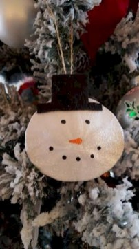 Diy holiday projects using dollar store ornaments 32