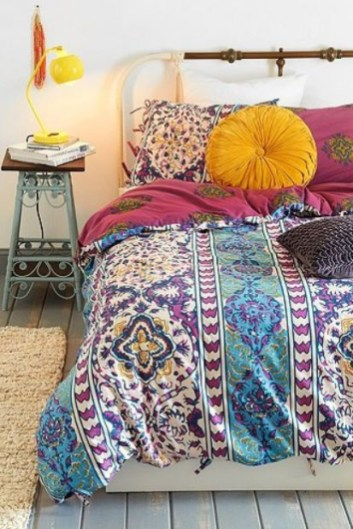 Enthralling bohemian style home decor ideas to inspire you 53