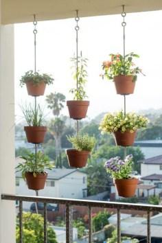 Inspiring vertical garden ideas for your small space 43
