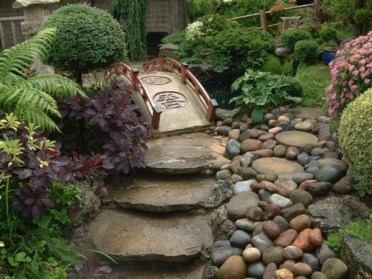 Pathway design ideas for your garden 17