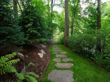 Pathway design ideas for your garden 29