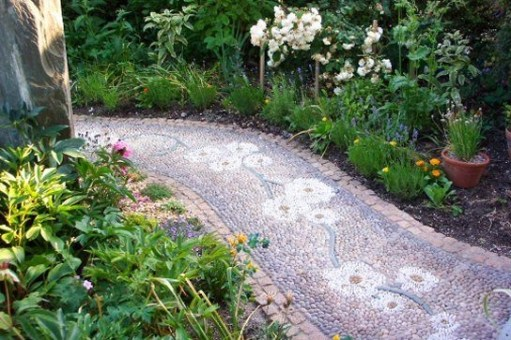 Pathway design ideas for your garden 31