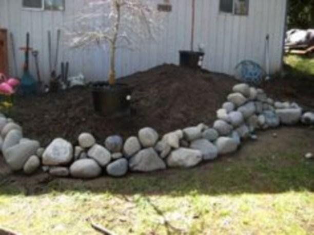 Simple rock garden decor ideas for your backyard 19