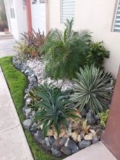 Simple rock garden decor ideas for your backyard 33