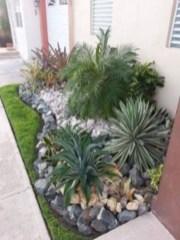 Simple rock garden decor ideas for your backyard 33