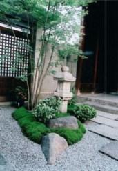 Simple rock garden decor ideas for your backyard 39