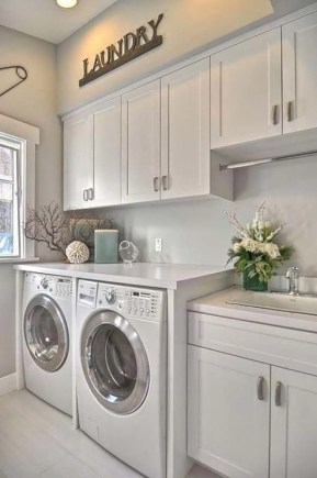 Beautiful and functional small laundry room design ideas 07