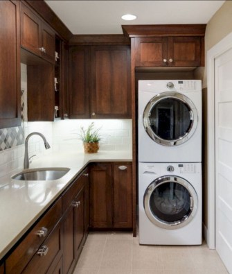 Beautiful and functional small laundry room design ideas 11