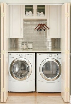 Beautiful and functional small laundry room design ideas 15