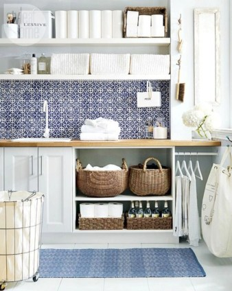 Beautiful and functional small laundry room design ideas 17
