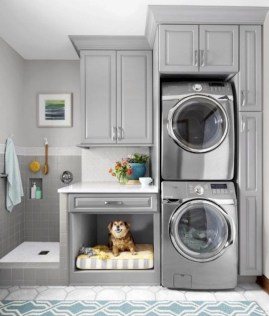 Beautiful and functional small laundry room design ideas 21