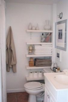 Built-in bathroom shelf and storage ideas to keep your bathroom organized 38