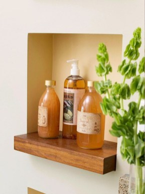 Built-in bathroom shelf and storage ideas to keep your bathroom organized 43