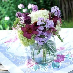 Charming rustic centerpieces that will fill up your tables 35