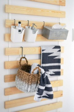 Hanging bathroom storage ideas to maximize your small bathroom space 11