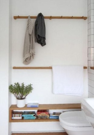 Hanging bathroom storage ideas to maximize your small bathroom space 13