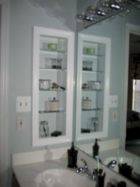 Hanging bathroom storage ideas to maximize your small bathroom space 40
