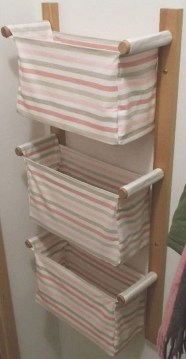 Hanging bathroom storage ideas to maximize your small bathroom space 41