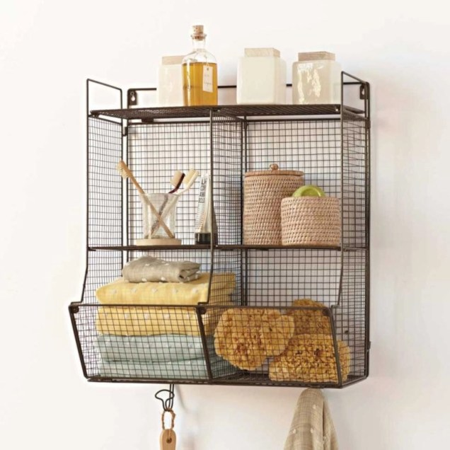 Hanging bathroom storage ideas to maximize your small bathroom space 44