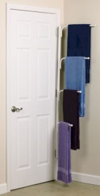 Hanging bathroom storage ideas to maximize your small bathroom space 49