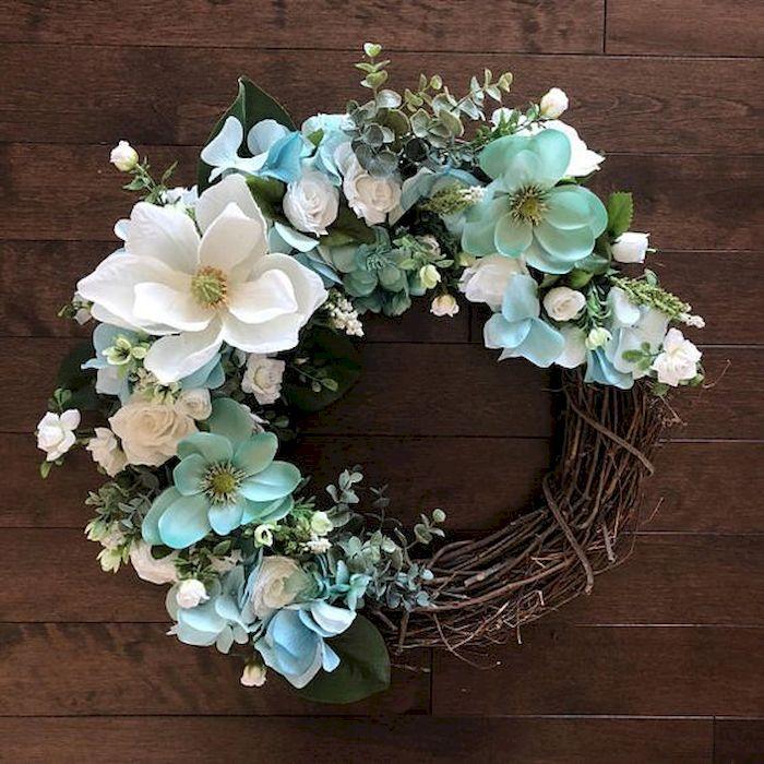 10 Diy Spring Wreaths To Freshen Up Your Front Door Godiygo Com