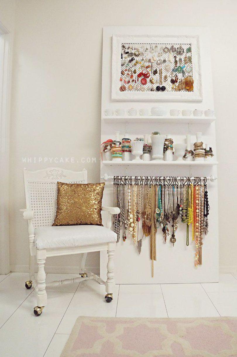 Board Jewelry Display