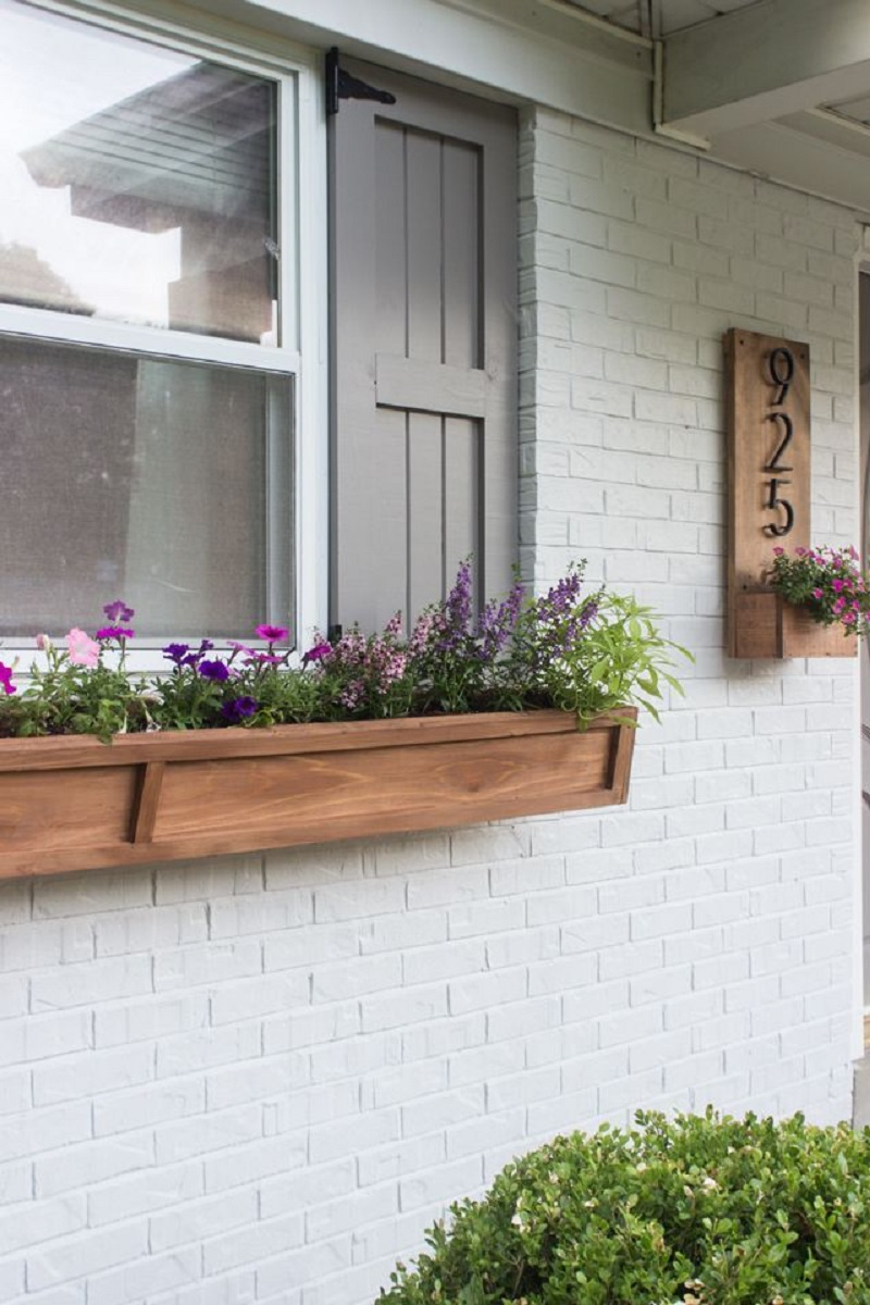 Diy craftsman-style window boxes Blissful DIY Window Boxes To Step Up Your Most Gorgeous Outdoor Decoration