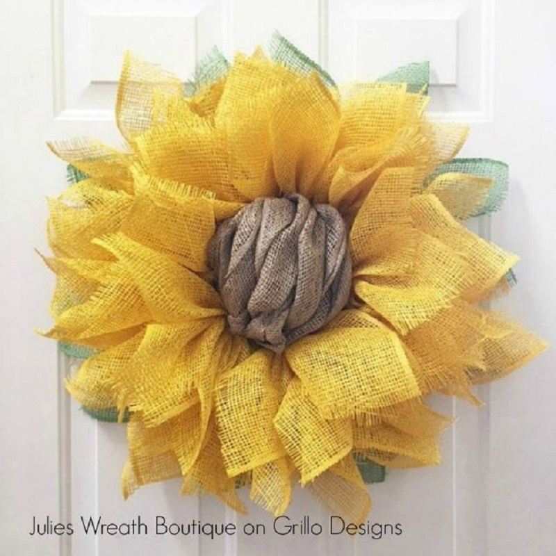 Simple sunflower wreath
