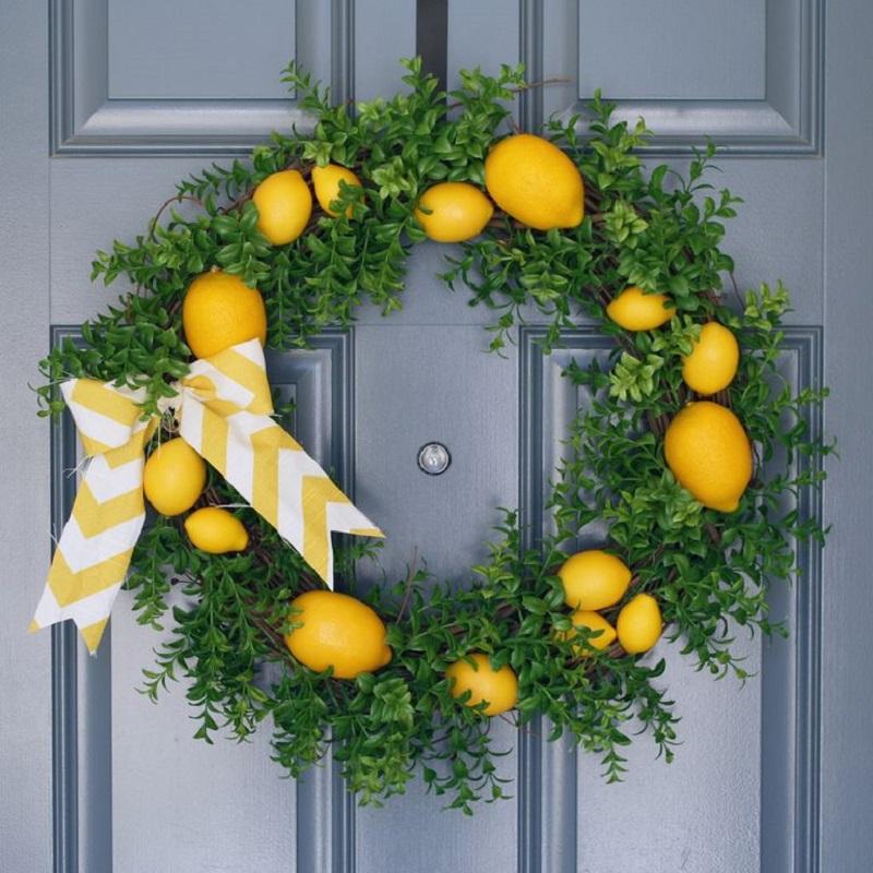 With lemon wreath