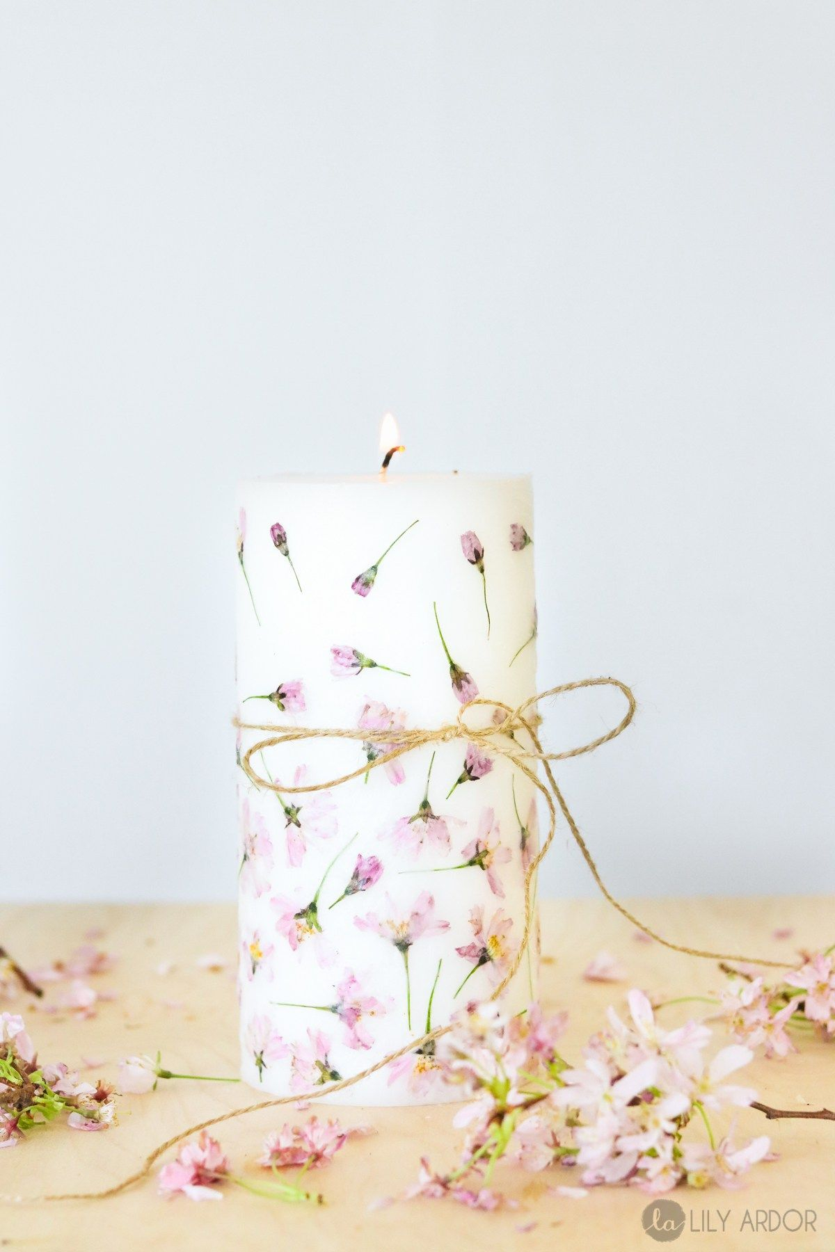 Pressed flower candle Charming DIY Pressed Flower Art Projects You Can Do In All Seasons