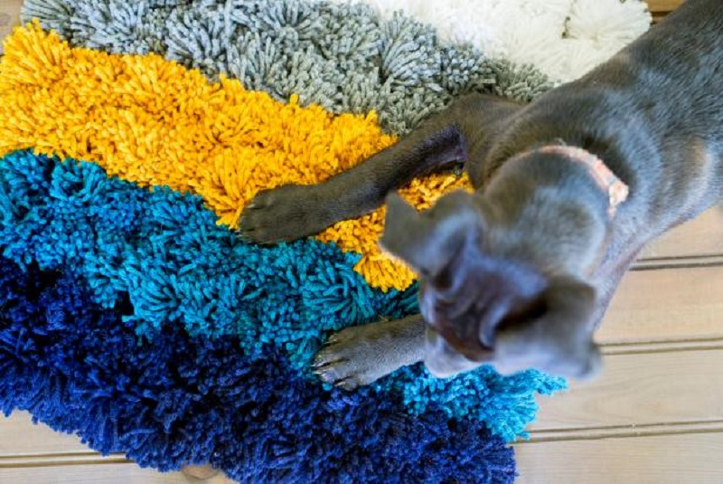 Super easy diy yarn pom pom rug that affordable for anyone 6