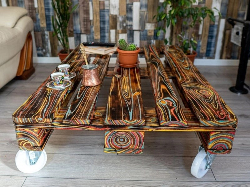 Charming painted pallet coffee table