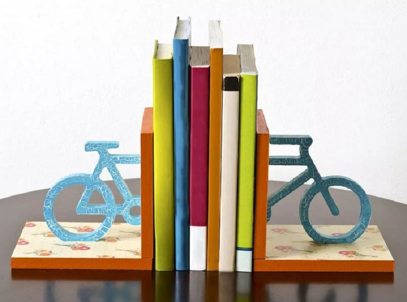 Bicycle bookends with floral based