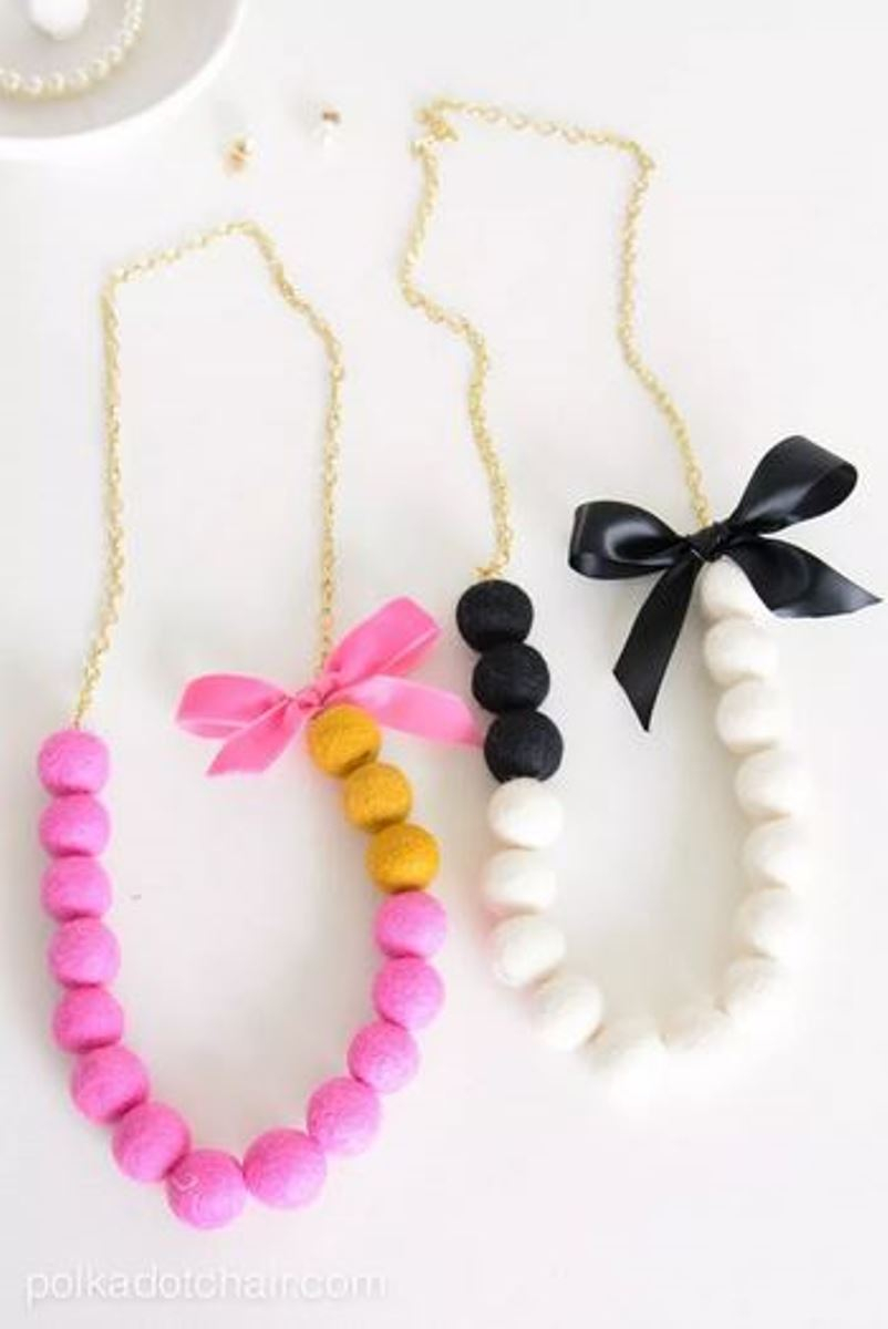 Cute necklace from pom poms