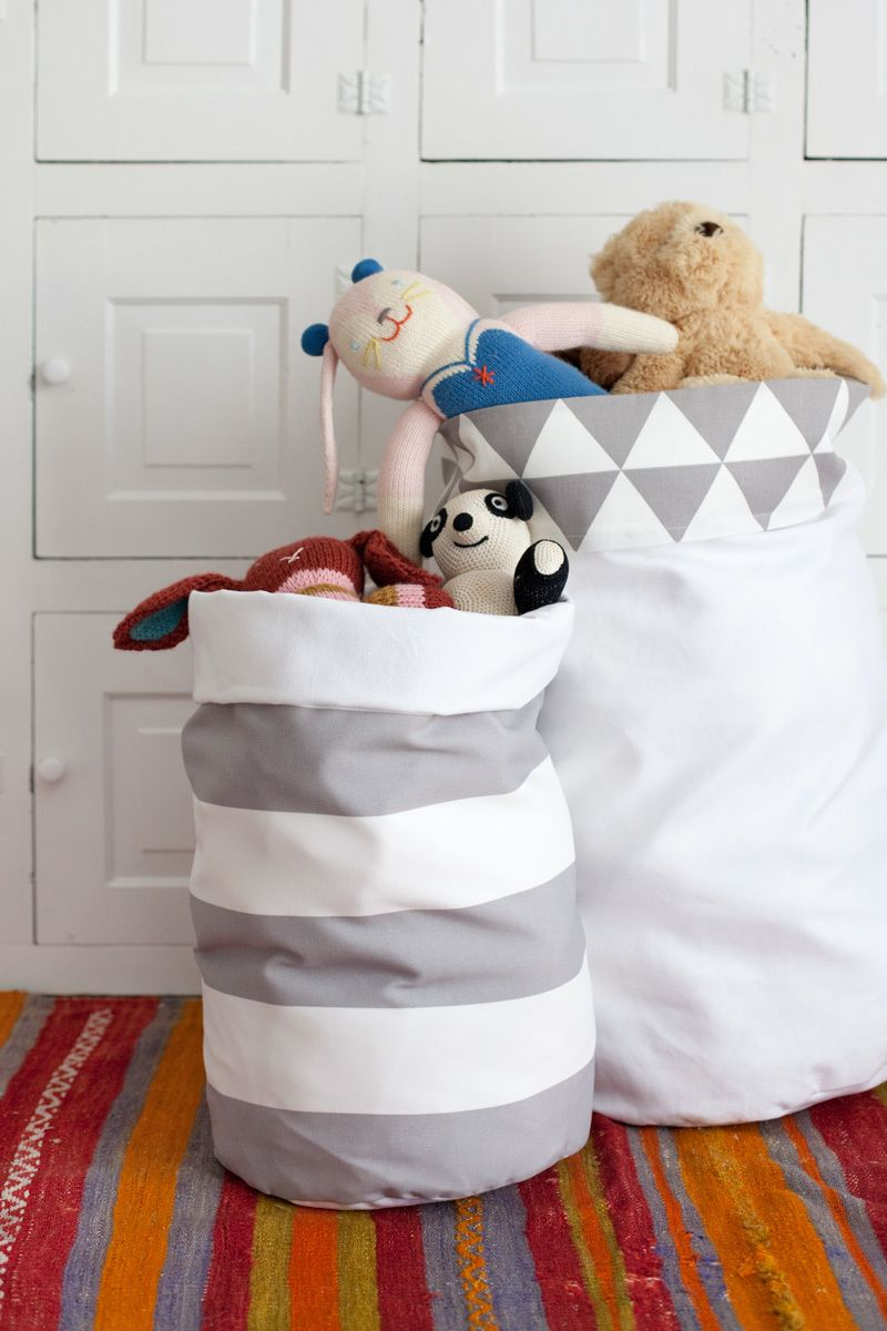Reversible fabric bins DIY Bowls, Bins, And Baskets That Unexpectedly Gorgeous In Style And Tidy Up Your Space