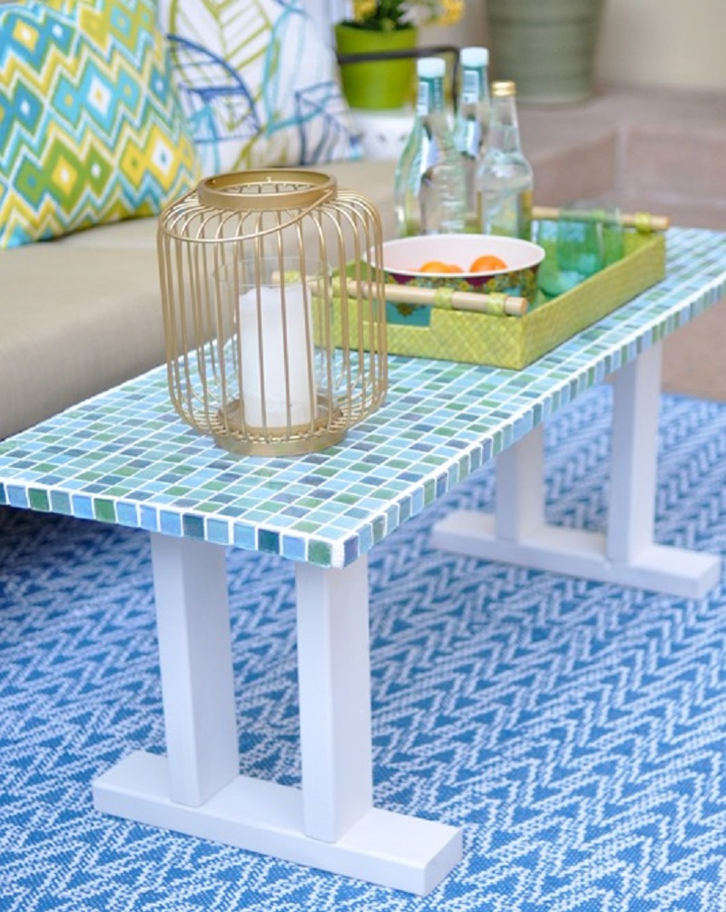 Trendy glass mosaic patio table DIY Delightful Mosaic Decorations To Spruce Up Your Garden Look