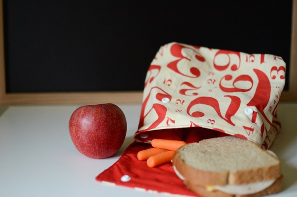 Chic number printed lunch bag with buttons School Edition Ideas Of DIY Lunch Bag That Perfectly Adorable